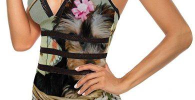 Traje de baño de una pieza para mujer, Yorkshire Terrier en la cesta de la moda adelgazante