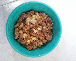 dieta barf dieta natural carne de ternera con un huevo cocido